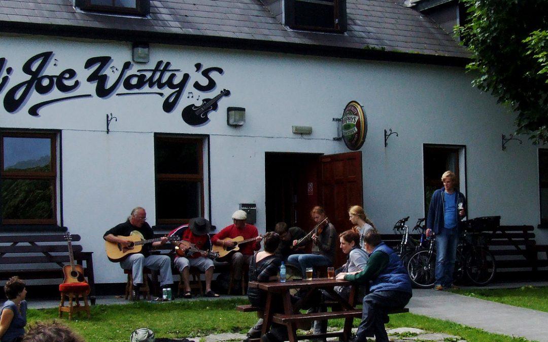 Joe Watties Pub & Cafe