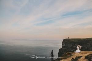 Cliffs-of-Moher-Aran-Islands-Wedding-in-Ireland-Laura-and-Mitch-4(pp_w890_h593)