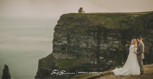 Cliffs-of-Moher-Aran-Islands-Wedding-in-Ireland-Laura-and-Mitch-6(pp_w890_h464)